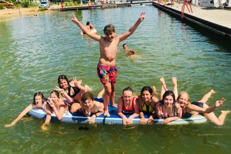 ryn-gimnastyka-2021-kapiele-w-jeziorze